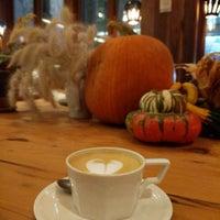 Foto scattata a PAPER coffee da duane l. il 11/14/2017