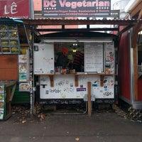 Foto tirada no(a) D.C. Vegetarian por Mike M. em 11/11/2016