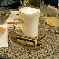 Das Foto wurde bei Chocolaterie Yilliy von M Angeles H. am 11/14/2015 aufgenommen