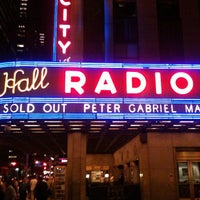 Foto tirada no(a) Radio City Music Hall por Nikelii B. em 3/8/2013