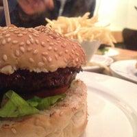 Снимок сделан в Gourmet Burger Kitchen пользователем Ashnab A. 1/8/2013