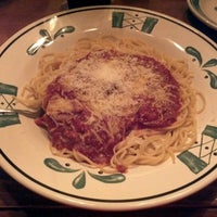 Photo taken at Olive Garden by Cesar B. on 11/11/2012