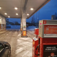 Photo taken at Statoil Bollnäs by Juris Z. on 1/5/2018