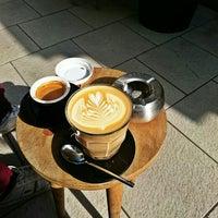 Das Foto wurde bei coffee nerd von Wassim S. am 10/3/2015 aufgenommen