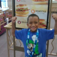 Photo taken at Wendy's by Parisienne D. on 10/27/2012