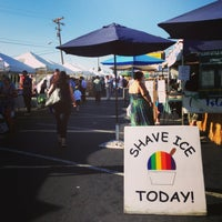 Photo taken at Cambrian Plaza Farmers Market by Aki Y. on 8/22/2013