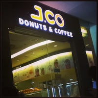 Photo taken at J.CO Donuts & Coffee by Maybell T. on 6/8/2013