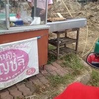 Photo taken at หมูปิ้งอัญชลี อร่อยที่สุดใน 3 โลก by Nnamyenn on 6/14/2016