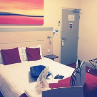 Photo taken at Comfort Inn London - Edgware Road by Adam P. on 5/13/2013