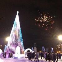 Снимок сделан в Площадь Ленина пользователем Natalya V. 12/31/2012