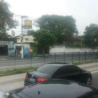Photo taken at Avenida Cupecê by Ana Paula C. on 1/12/2016