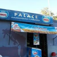 """Das Foto wurde bei Amasanderia, Pasteleria y Minimarket """"Rosita"""" von Jorge D. am 3/26/2013 aufgenommen"""
