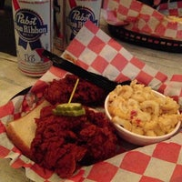 Photo taken at Hattie B's Hot Chicken by Graham L. on 11/10/2012