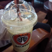 Photo taken at J.Co Donuts & Coffee by Oktaviani L. on 8/28/2014