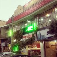 Photo taken at Yousef Restaurant | رستوران يوسف by Payam A. on 8/24/2015