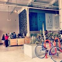 Photo prise au Heath Ceramics par lunani le10/19/2012