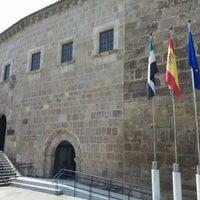 Photo taken at Presidencia - Junta de Extremadura by Melmac37 on 4/16/2014