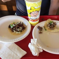 Photo taken at Tacos El Unico by Heeyougow F. on 1/21/2014