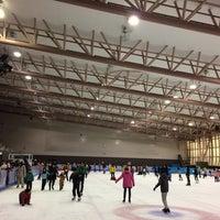 Photo taken at 美香保体育館 by Takahiro F. on 11/3/2014