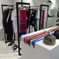 Photo taken at UNITED ARROWS 原宿本店 メンズ館 by かいりん♪ on 8/11/2016