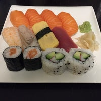 Photo taken at Sushi Bar Rice Garden by Harri M. on 11/28/2015