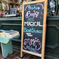 Foto scattata a Book Culture da Grace A. il 9/20/2018