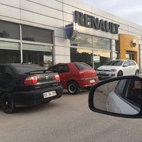 Photo taken at Renault/Kaptanoğlu Otomotiv by Türkan S. on 4/12/2017