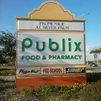 Photo taken at Publix by Fernando Z. on 3/10/2013