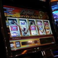 รูปภาพถ่ายที่ Viva Casino โดย .. เมื่อ 11/6/2012