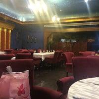 Photo taken at Firouzeh Restaurant   رستوران فیروزه by Nafi K. on 9/2/2014