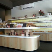 Photo taken at Love A Loaf Bakery & Café by Yeoh on 6/21/2014