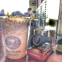 Photo taken at OldTown White Coffee by Afif a. on 3/25/2016