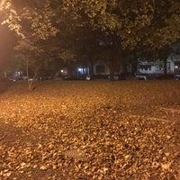 Photo taken at Fulton Park Dog Run by COUTUREBOY on 10/14/2017