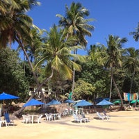 Foto tirada no(a) Praia de Calhetas por Felipe d. em 7/20/2012