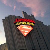 Снимок сделан в Superman: Escape From Krypton пользователем Melissa F. 7/27/2013