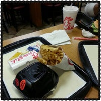 Photo taken at Chick-fil-A Orland Park by Darryl P. on 4/28/2013