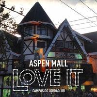 Foto tirada no(a) Aspen Mall por Rômulo Q. em 7/21/2013
