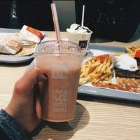 Снимок сделан в McDonald's пользователем tmprtr 5/23/2015