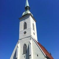 8/17/2013 tarihinde ʌlıziyaretçi tarafından Katedrála svätého Martina'de çekilen fotoğraf