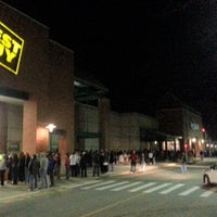 Photo taken at Best Buy by Chris R. on 11/23/2012