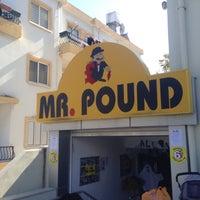 Photo taken at Mr. Pound by Ömer Faruk on 10/26/2016