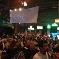 รูปภาพถ่ายที่ Lucky's Pub โดย Chuck H. เมื่อ 6/8/2013