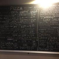 10/31/2016 tarihinde Fernando C.ziyaretçi tarafından Luigi's Pizzeria'de çekilen fotoğraf