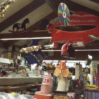 Photo taken at Double Ds Mantiques Resale & Thrift by Doubleds M. on 10/19/2014