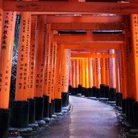 Photo taken at Fushimi Inari Taisha by Anna G. on 12/30/2012