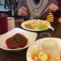 Photo taken at Sri Suria Cafe by Mira Hasmeira Karim on 10/5/2016