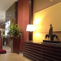 Photo taken at Crystal Gateway Marriott by Jeff on 9/9/2013