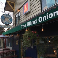 Photo taken at Blind Onion Pizza and Pub by atsuyo on 9/13/2016