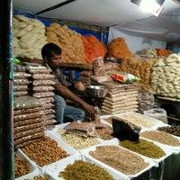 Photo taken at Bhendi Bazaar by amoresmuerto on 7/4/2015
