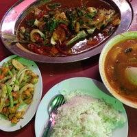 Photo taken at Restoran Juara Ikan Bakar 24 Jam by MOHD SABRI A. on 9/22/2013
